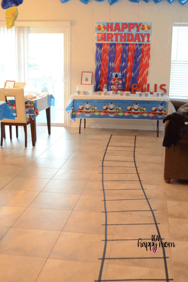 thomas the train theme birthday party decorations