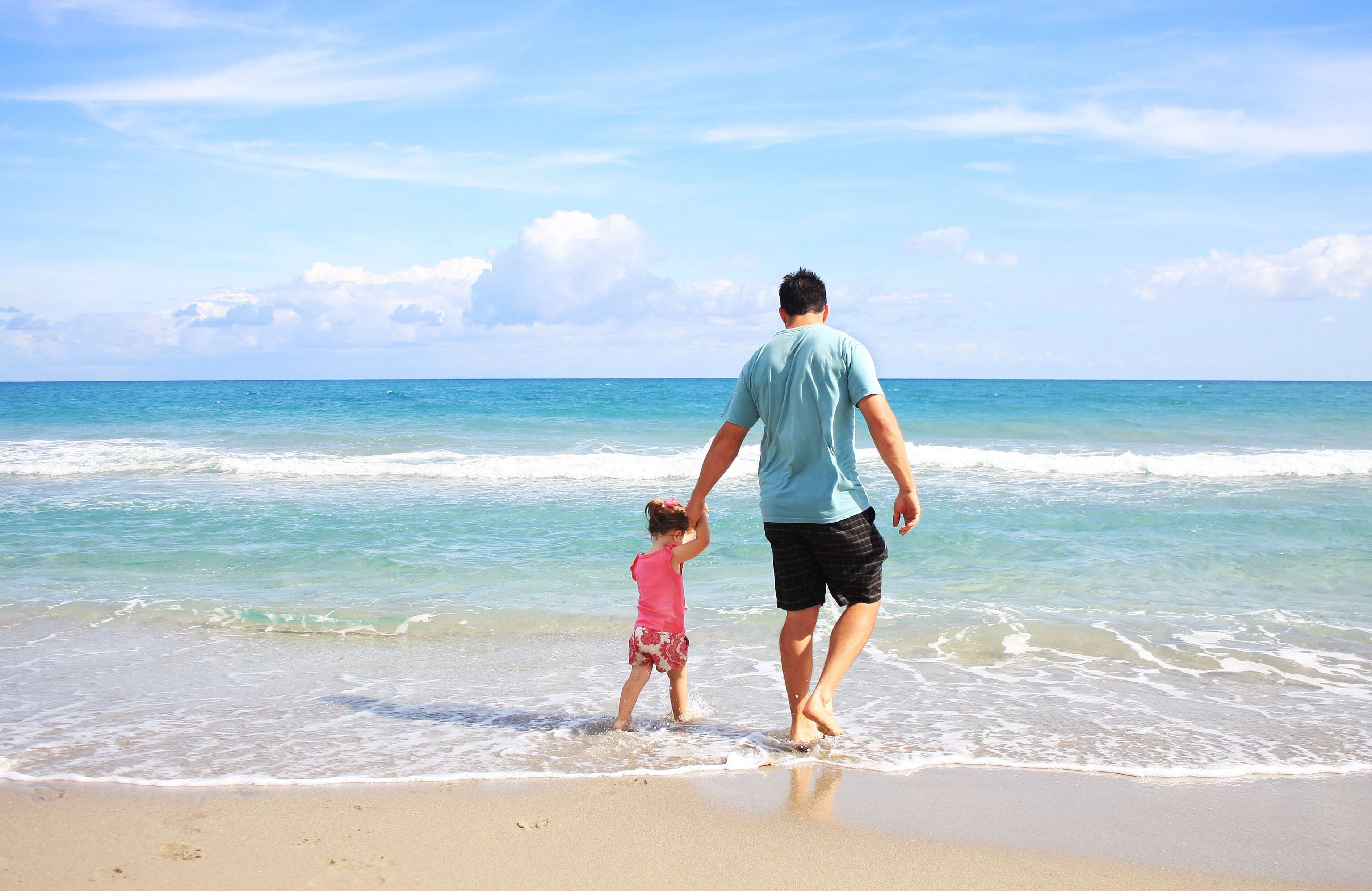 father and daughter at the beach, activities for last days of summer